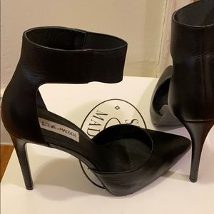 Steve Madden leather flutter heels